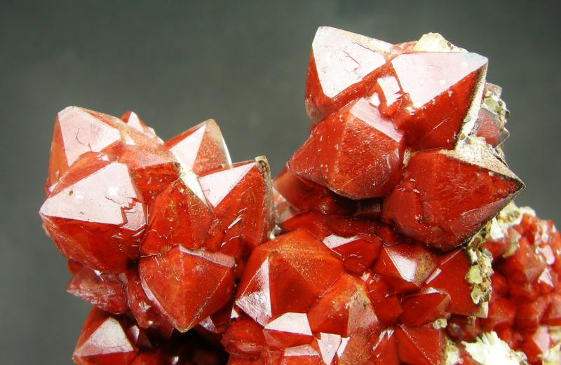 Cuarzo rojo hematoideo